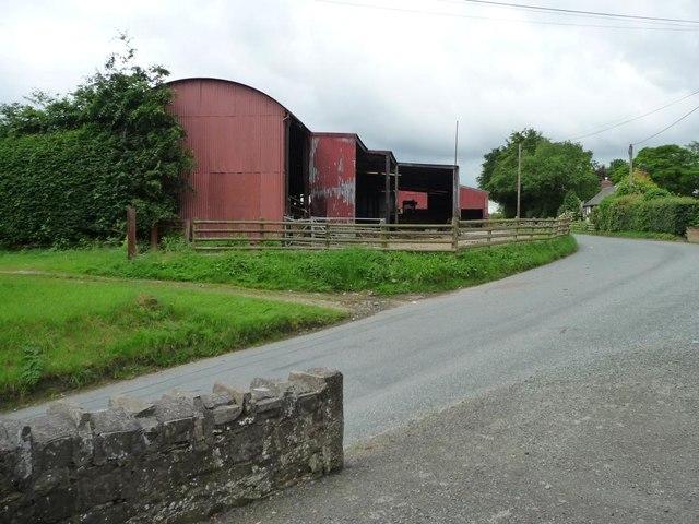 Barns at Ty Coch, Llanwyddelan