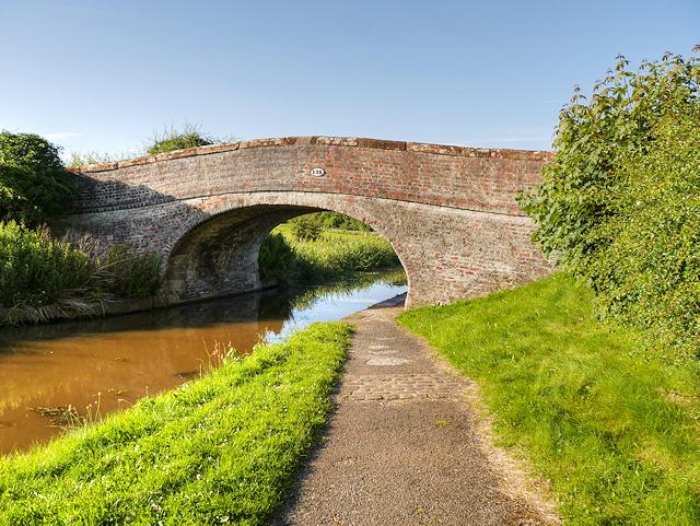 Shropshire Union Canal, Croughton Bridge