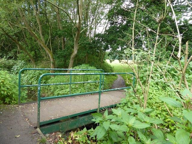 Westbury Park: path to fields