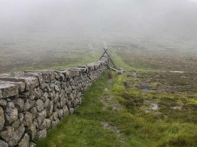 The Mourne Wall near Slieve Meelbeg