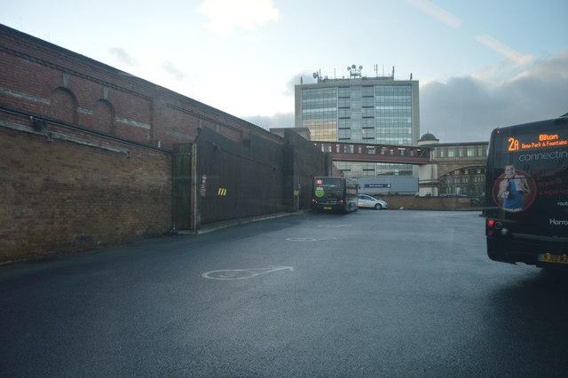 0b5642dd Harrogate Bus Station © N Chadwick cc-by-sa/2.0 :: Geograph Britain ...