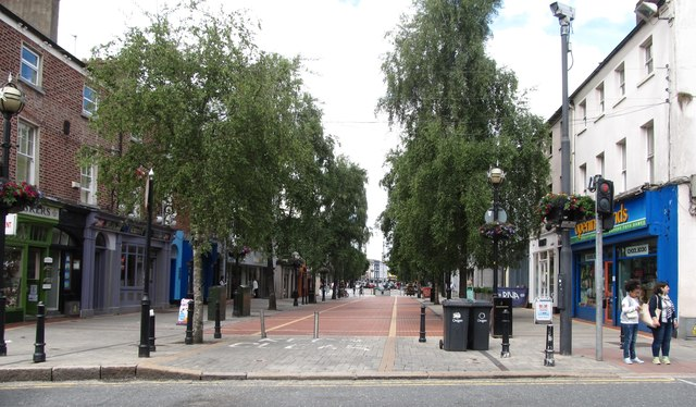 The southern end of the pedestrianised Earl Street