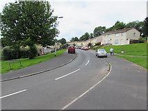 ST3091 : West along Darwin Drive, Malpas, Newport by Jaggery