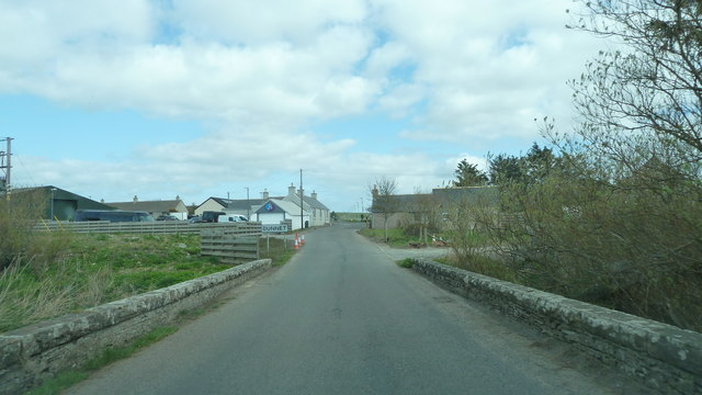 B855 crossing the Burn of Dunnet