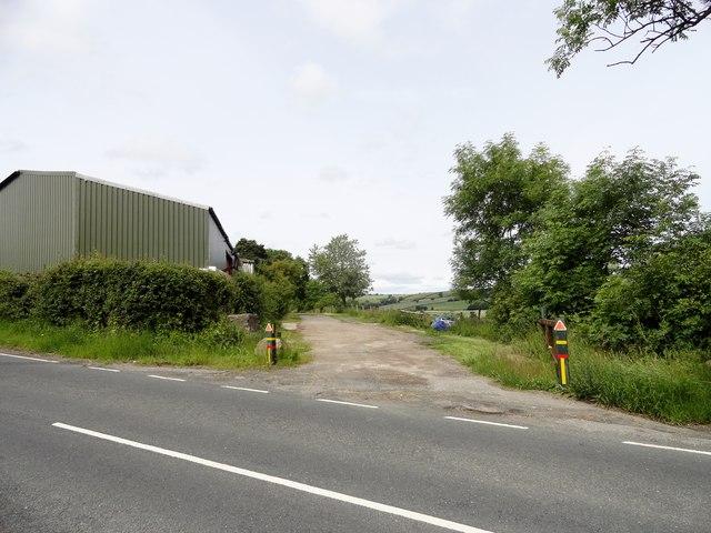 Farm track off Hedleyhill Lane