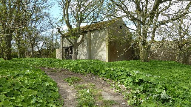 Disused building at Castlehill