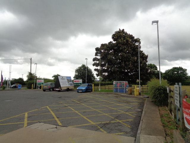 Parking spaces Calcutt Services, A419