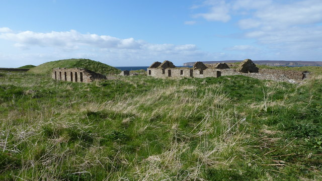 Ruined cottages at Castlehill