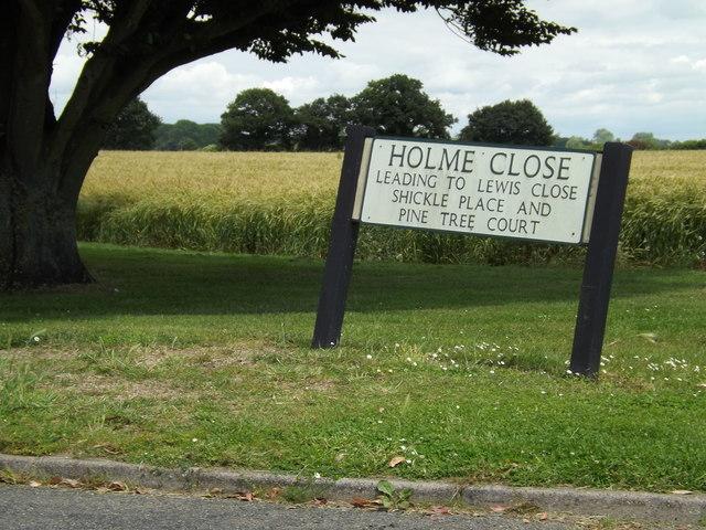 Holme Close sign