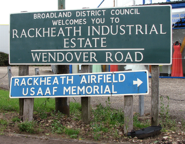 Wendover Road (road sign)