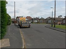 SZ0794 : East Howe: the dead end of Heaton Road and footpath U33 by Chris Downer