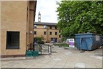 SE6250 : Derwent College E and H blocks by DS Pugh