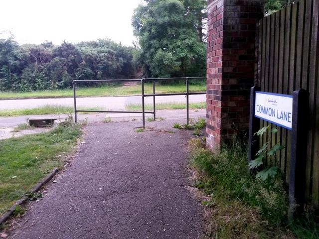 West Howe: Common Lane sign on footpath U03