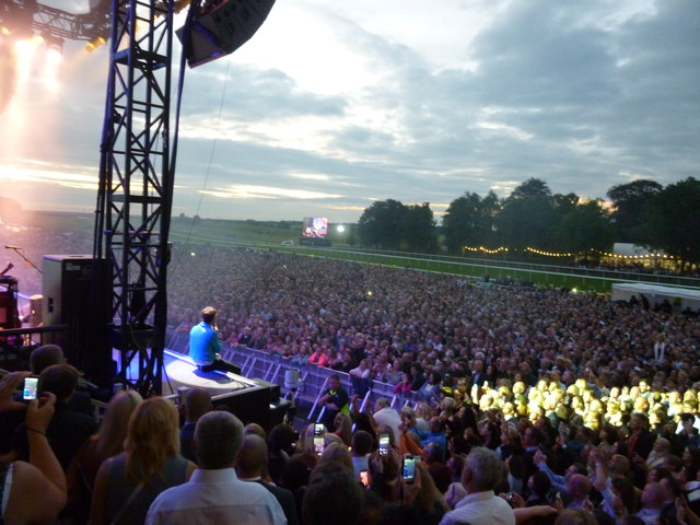Live on stage at Newmarket, 2016 - The Kaiser Chiefs