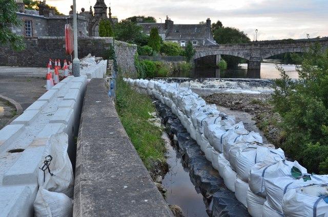 Temporary flood defences, Newton Stewart