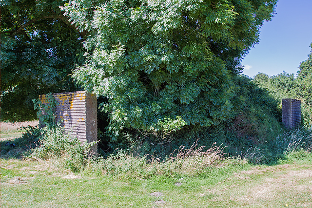 WWII airfield bombing decoy control bunker - Moors Valley Golf Course (1)