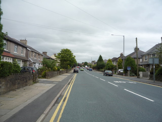 Heading south east on Brunshaw Road