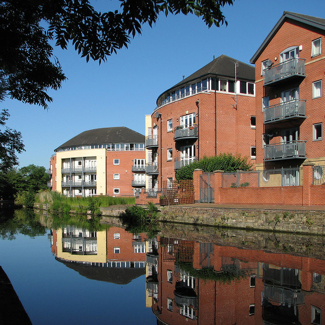 Flats reflected in the Nottingham Canal