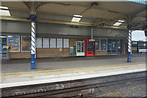SK3871 : Chesterfield Train Station by Ian S