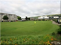 "NS2060 : ""Putting at the Ritz"", Largs by Euan Nelson"