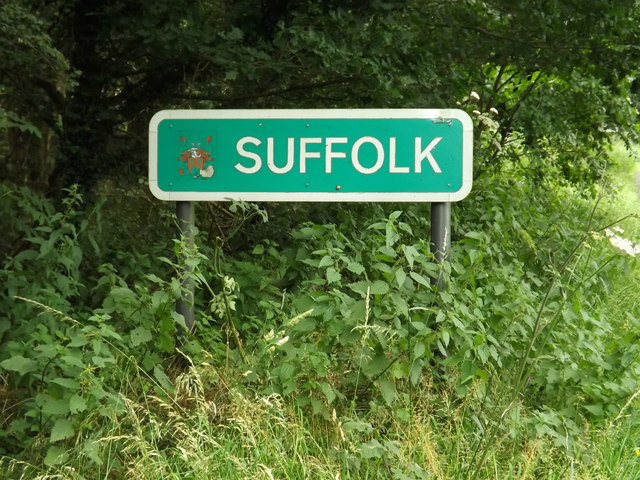 Suffolk County Name sign on the B1111 Common Road