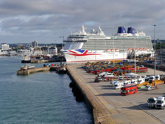 Southampton Docks, Quayside at Berth 40