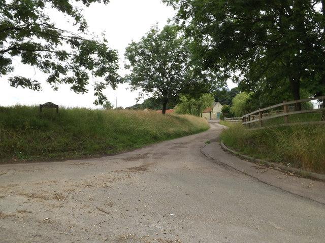 Entrance to Chalkdell Farm