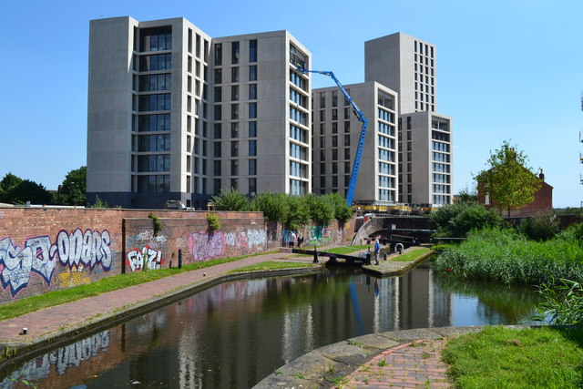 New construction overlooking the canal at Nechells Green
