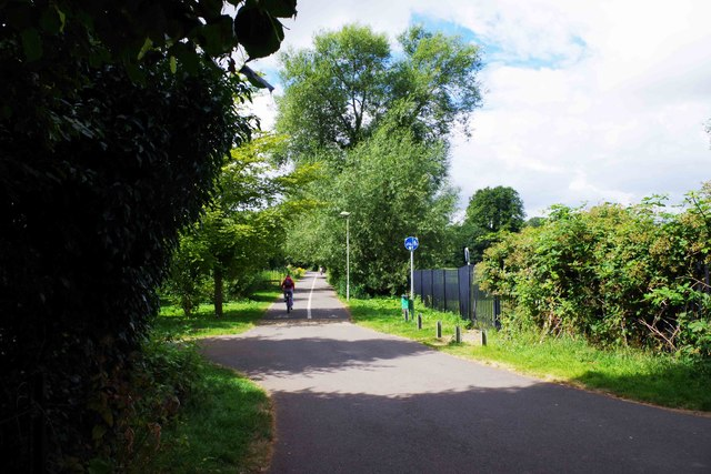 Junction of footpaths, Witney, Oxon