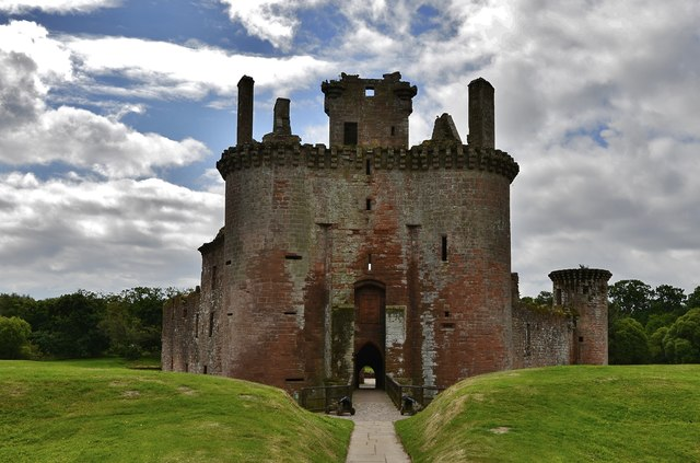 Caerlaverock Castle gatehouse © Michael Garlick :: Geograph Britain and Ireland