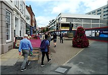 SO8554 : The southernmost end of Worcester's High Street by Clint Mann