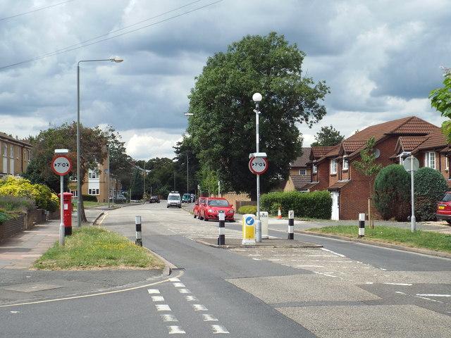 Width restriction on Hillside Road, near Bromley