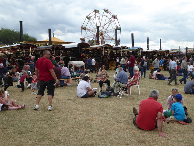 Welland Steam Rally - steam fairground