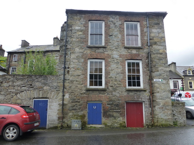 Stone building, Ramelton (side view)