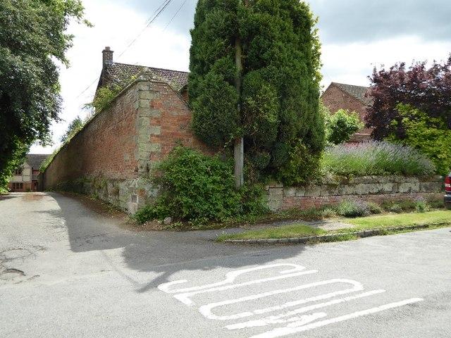 Wall opposite Snitterfield church