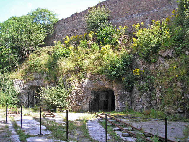 Threshfield Quarry lime kilns