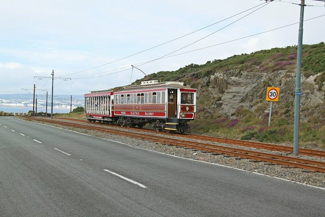 Manx Electric Railway 9 and 40 approaching Howstrake