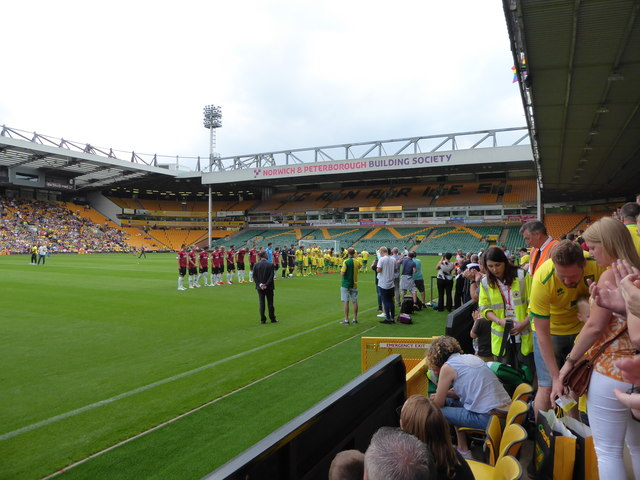 Pre-match greetings at Carrow Road