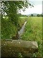 SJ9066 : Canal feeder at Bosley Locks by Alan Murray-Rust