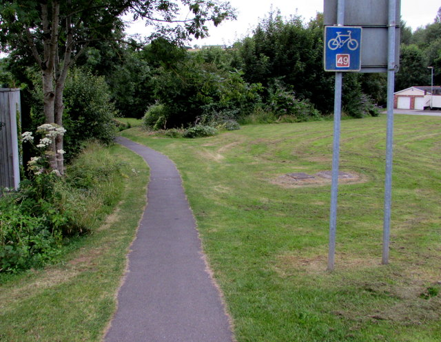 Cycle route 49 south of Greenhill Road, Cwmbran