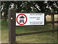 TM0174 : Sign at the entrance to Honeypot Farm by Adrian Cable