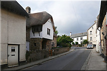 SX7087 : The Bishop's House, Chagford by Alan Hunt