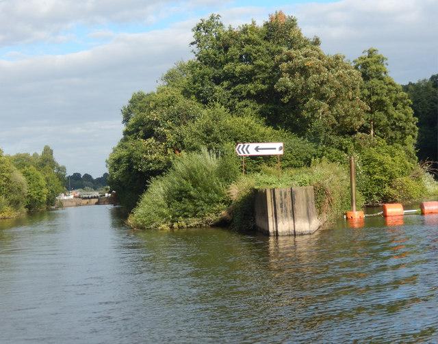 River Severn above Holt Lock