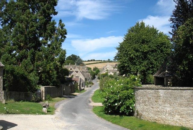 Daglingworth village