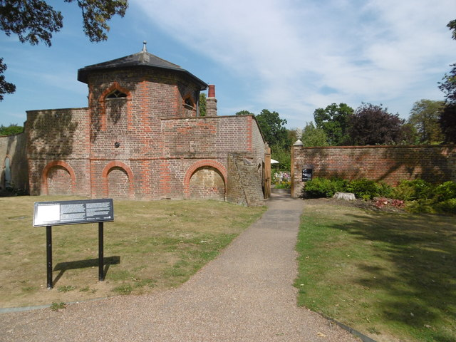 The dovecote at Valentines Park