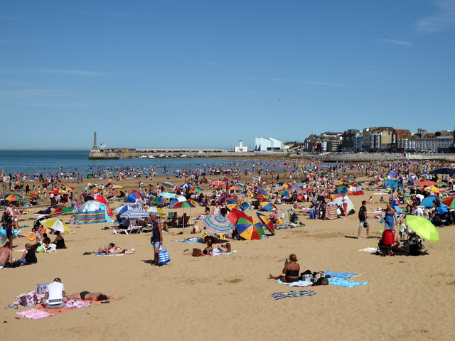 Margate Main Sands on a very hot August day