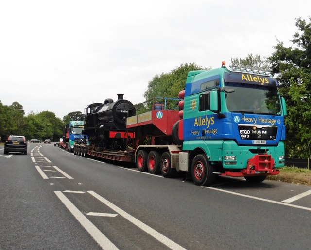 Heavy haulage at Bishops Lydeard
