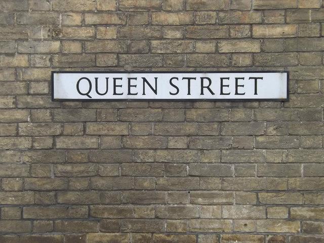 Queen Street sign