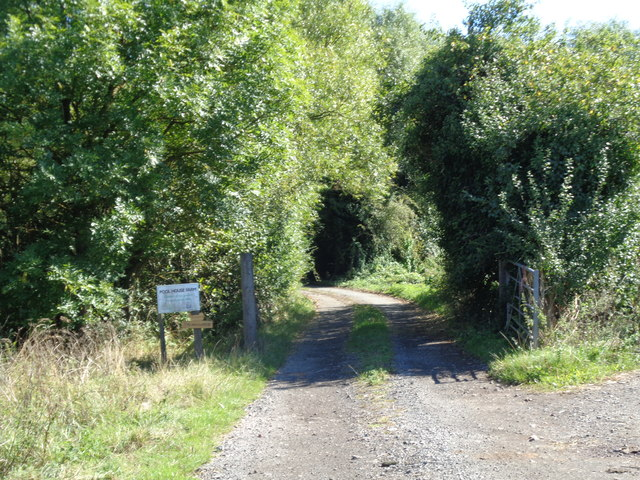 Track to Pool House farm, Purshull Green