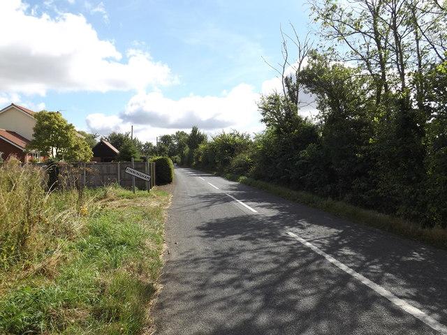 Entering Finningham on Finningham Road